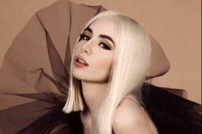 Ava Max – Born To The Night